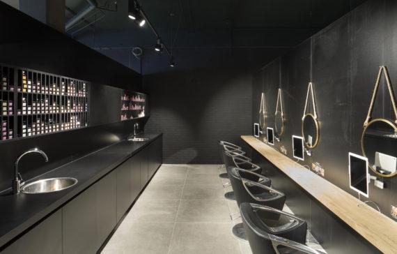 Pac interiors kapsalon inrichtingen winkelinrichtingen for Kappersinterieur